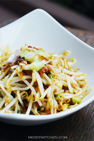 Bean Sprouts With Salted Fish
