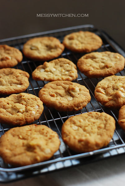 White Chocolate Chip Macadamia Nut Cookies
