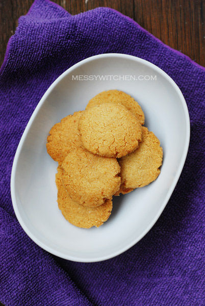 Tahini Almond Cookies