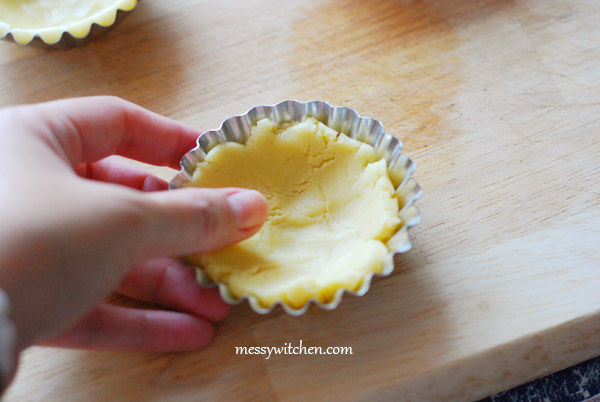 Press Sweet Pastry Ball Into The Tart Mould