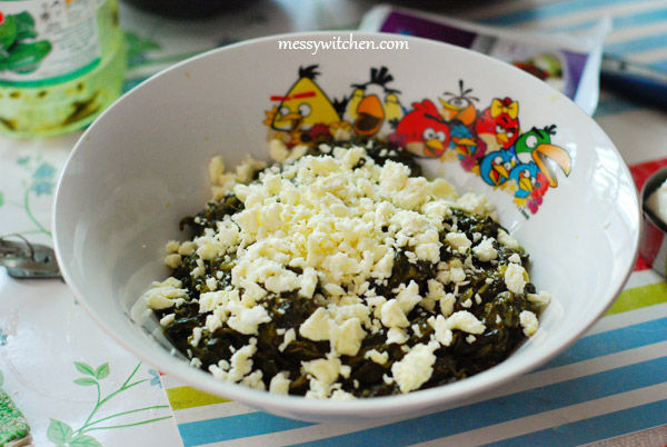 Add Feta Cheese To Spinach