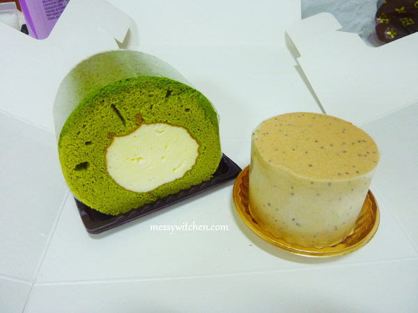 Green Tea & Black Tea Chocolate Cakes From O'Sulloc Tea House @ Insadong, Seoul, South Korea