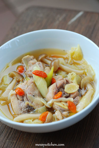 Braised Chicken With Mushrooms Hot Pot