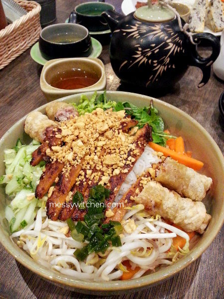 Spring Roll & Lemongrass Pork With Vermicelli @ Pho Vietz