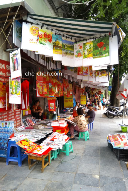 Shop Selling Books, Magazines & Calendars @ Hanoi